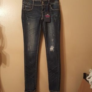Almost Famous 8jeans